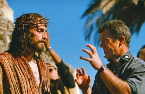 mel-gibson-directs-actor-jim-caviezel-the-passion-of-the-christ